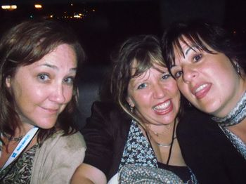 Elizabeth, Jenn and Me in Limo
