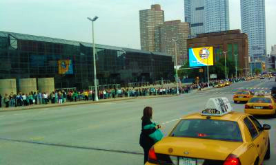 Oprah's Live Your Best Life Weekend NYC - Line to Get In!