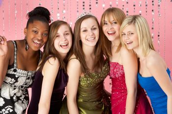 8 frugal prom tips