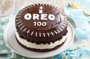 Chocolate-Covered-Oreo-Celebration-Cake-534