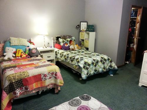 Girls Room 2